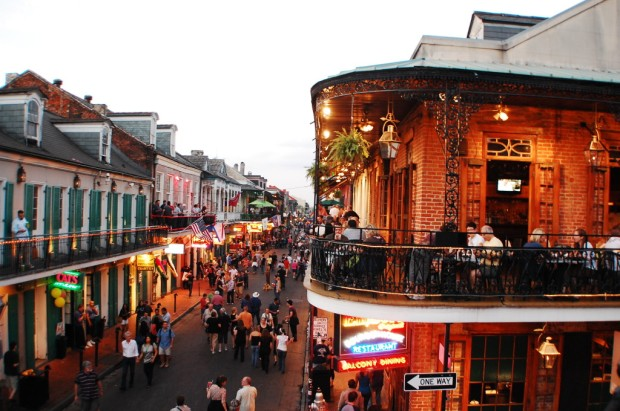 bourbon-street-new-orleans-louisiana-1024x680