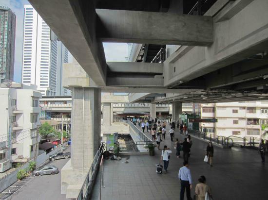 Phaya Thai Station
