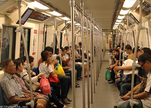bangkok-subway-train