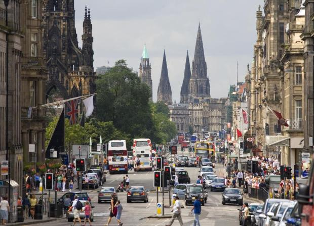 edinburgh-princes-street-11453947