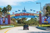 xwalt-disney-world-entrance-laurie.jpg.pagespeed.ic.deSzsCvUNU